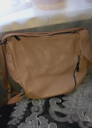 Итальянская кожаная сумка-рюкзак genuine leather