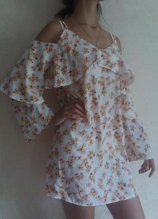 Свободное платье в цветочный принт, платье с открытыми плечами