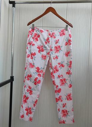 Хлопковые брюки с цветочным принтом zara