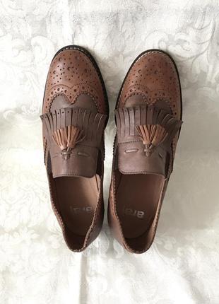Кожаные туфли лоферы с кисточками бахромой кожа