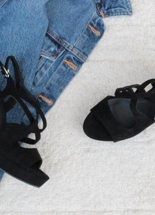 Шикарные босоножки 38, 39, 40 размера на устойчивом каблуке