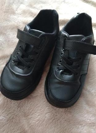 Идеальние кроссовки,туфельки.