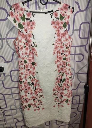 Красивое платье с 3d цветами