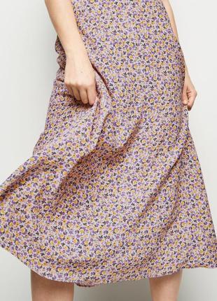 Трендовая юбка в цветочек7 фото