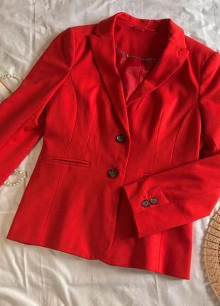 Новый красный однобортный трикотажный пиджак next (размер 40-42)