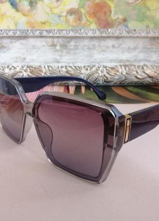 Темно синие брендовые женские солнцезащитные очки 2021