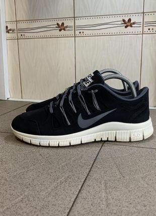 Чорні кросівки nike free 5.0