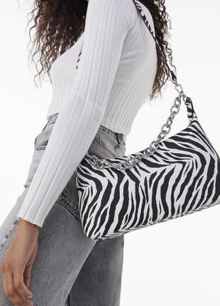 Неймовірна сумочка зебра bershka
