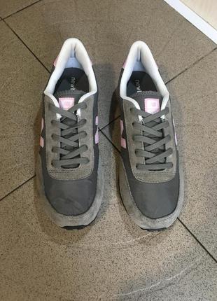 Сірі замшеві кросівки new balance 410