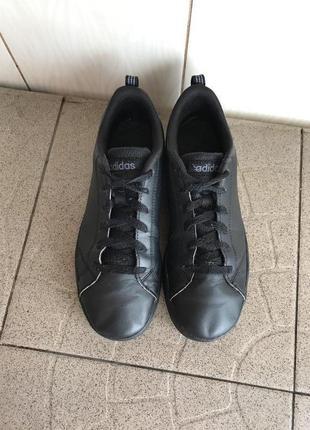 Чорні шкіряні кросівки adidas