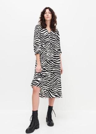 Платье миди в принт зебра с жатой ткани