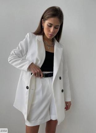 Женский костюм пиджак и шорты бермуды