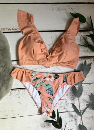 Нежный персиковый купальник цветочный