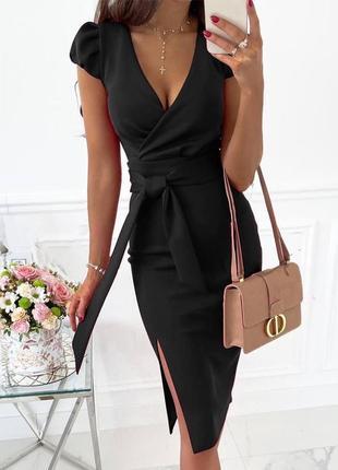 Легкое платье до колен. короткое платье с разрезом