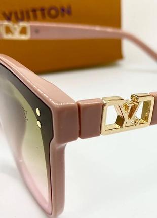 Женские солнцезащитные очки в розовой оправе с цветными линзами градиент3 фото