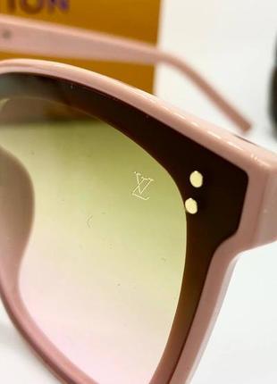 Женские солнцезащитные очки в розовой оправе с цветными линзами градиент4 фото