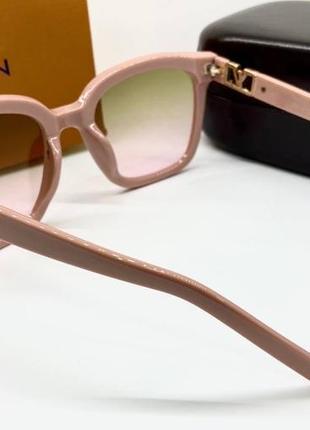 Женские солнцезащитные очки в розовой оправе с цветными линзами градиент6 фото