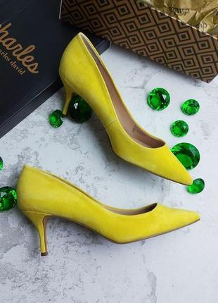 Charles david оригинал стильные желтые замшевые туфли лодочки