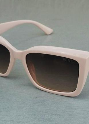 Fendi очки женские солнцезащитные коричневый градиент в нежно розовой оправе