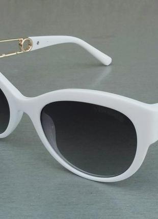 Versace стильные женские солнцезащитные очки серый градиент в белой оправе с золотым лого