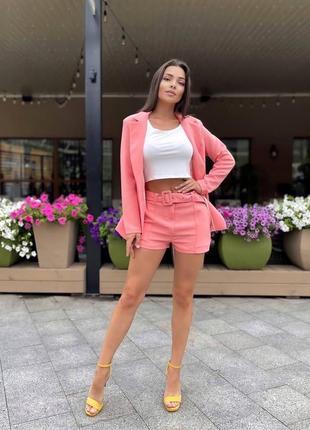 Женский костюм: пиджак + шорты с поясом