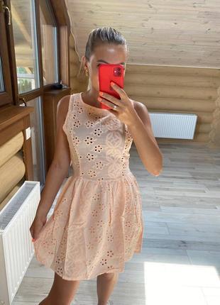 Платье из прошвы