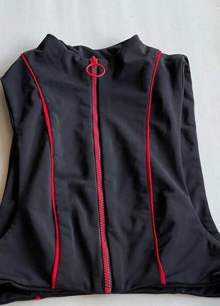 Черный верх от купальника топ с красными полосами