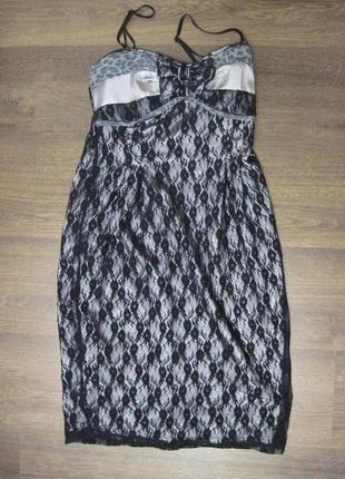 Платье с гипюром renascimento