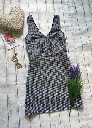 Симпатичное базовое платье