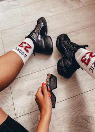 Женские чёрные кроссовки. кроссовки силиконовые вставки.
