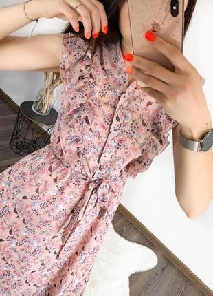 Женское платье миди с пуговицами