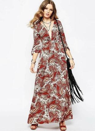 Maxi- платье с v- образным декольте- vila