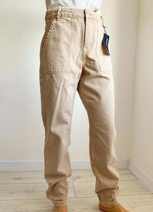 Джинси бежеві, світлі штани, бежевые джинсы, актуальные джинсы, джинсы на высокую девушку.