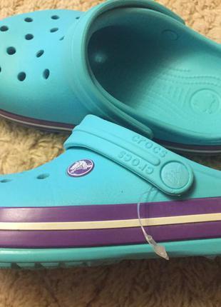 Супер классные, крутые и очень модные кроксы. 36 рр. шикарный цвет. оригинал.босния.
