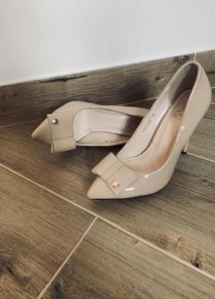 Туфлі лодочки