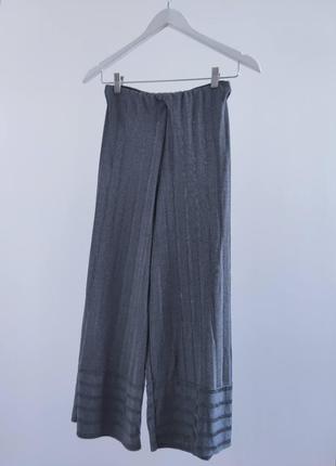 Вільні укорочені брюки від zara