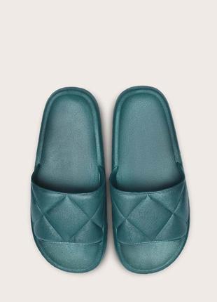 Тапочки жіночі темно-зелені. стеганые шлепанцы с открытым носком.