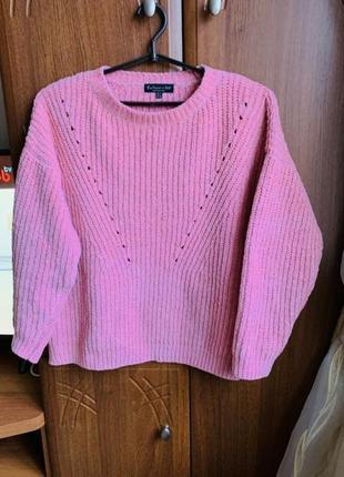 Теплий в'язаний светр ніжного рожевого кольору)