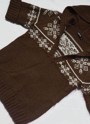 Свитер/кофта с зимним орнаментом