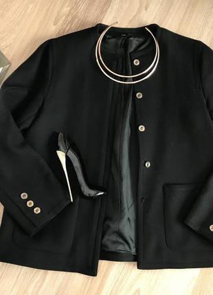 Качественный шерстяной пиджак