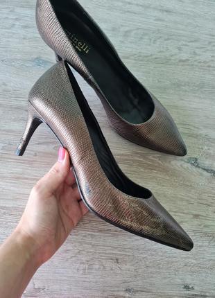 Лодочки туфлі шкіряні minelli