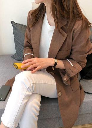 Удлинённый льняной пиджак