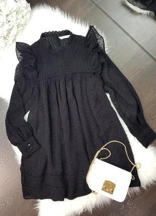 Красиве чорне плаття на довгий рукав