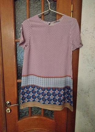 Платье фирмы tu. состав - вискоза. размер 40-42-44.