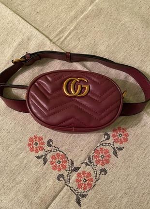 Продам красивую поясную сумку в стиле gucci