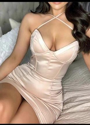 Корсетное платье oh polly
