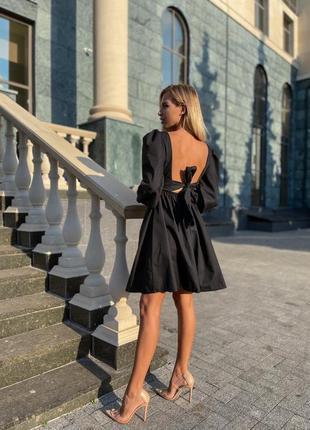 Платье с открытой спинкой 🖤