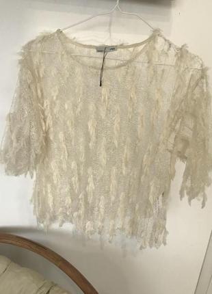 Стильная блуза в перышко zara