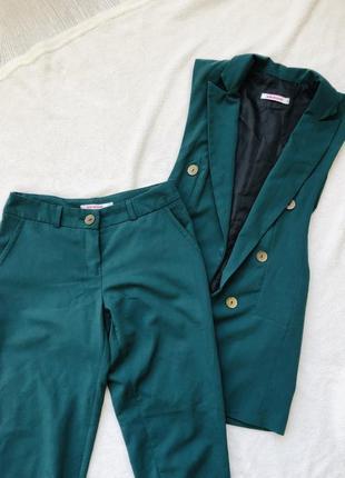 Зелёный костюм / брюки + жакет