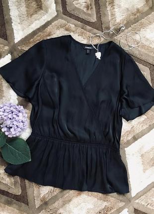 Черная блуза с коротким рукавом с v-образным вырезом шелковая блузка